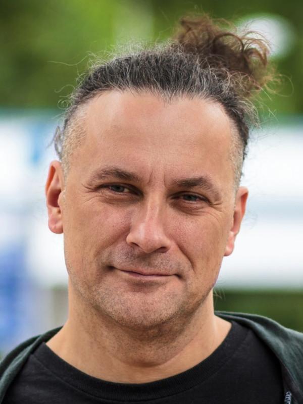 Paweł Frelik headshot