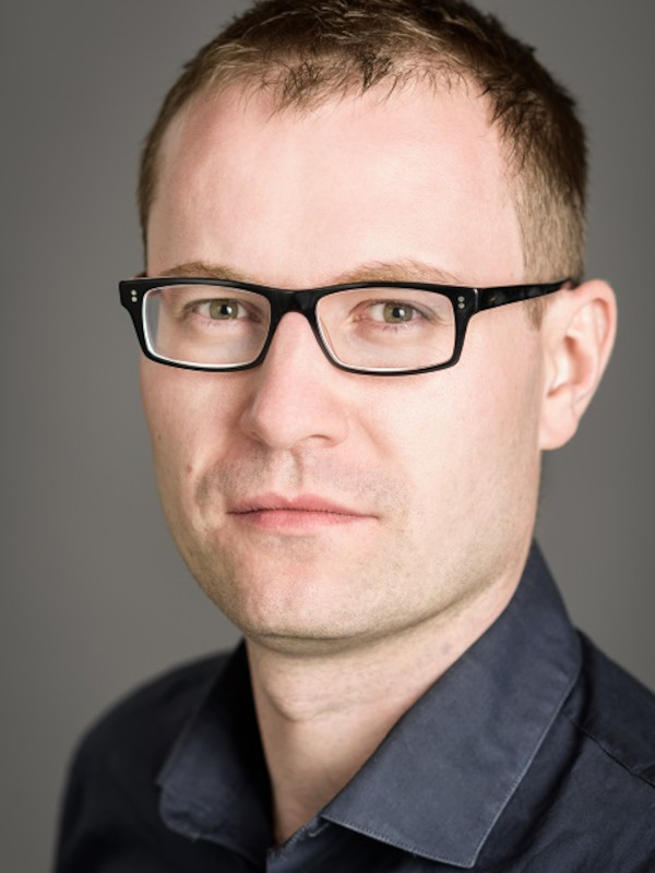 Marcin Moskalewicz headshot