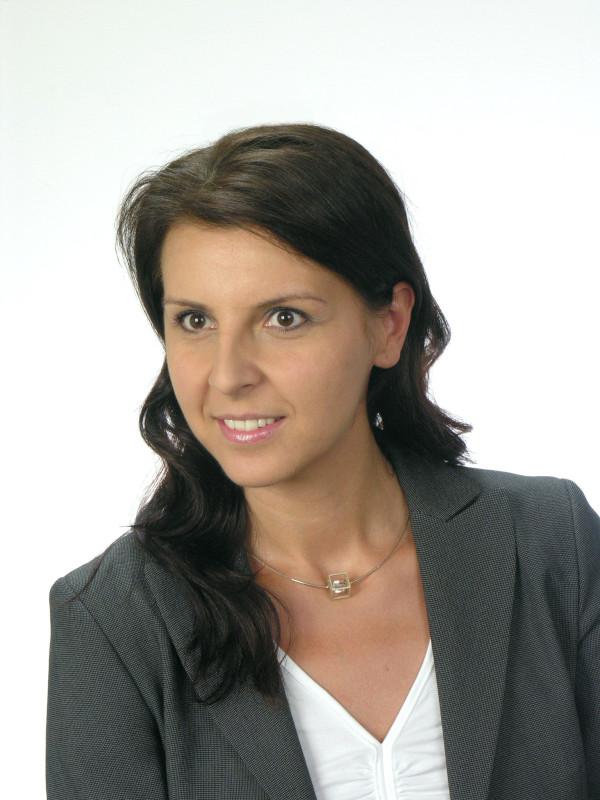 Eliza Przeździecka headshot