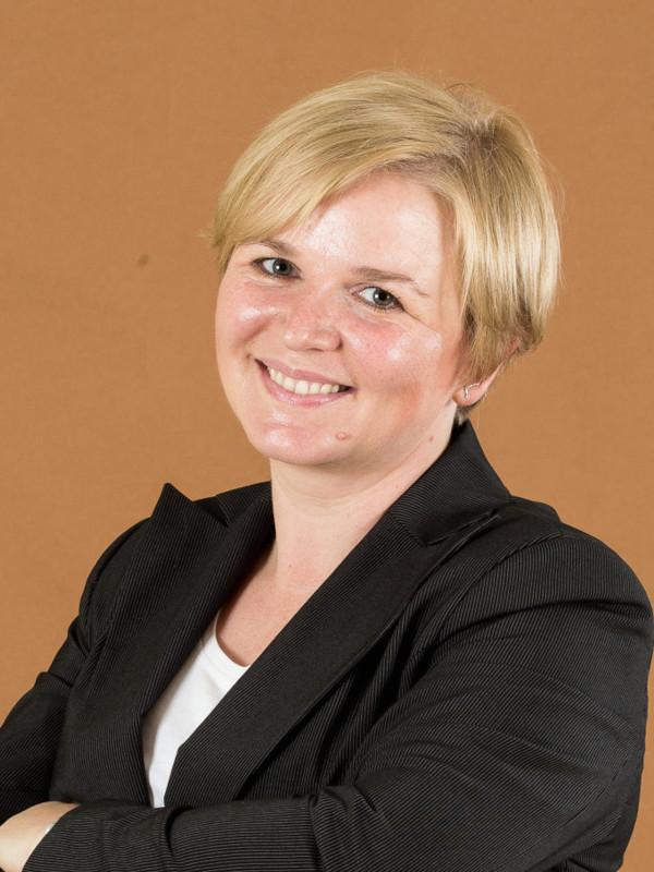 Monika Rom headshot