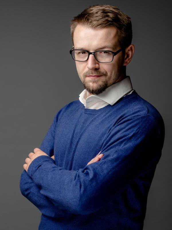 Karol Chwedczuk Szulc headshot